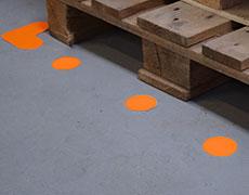 Tvarované podlahové značení