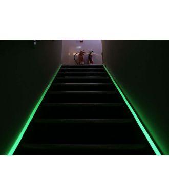 Fotoluminiscenční páska pro označení únikových cest